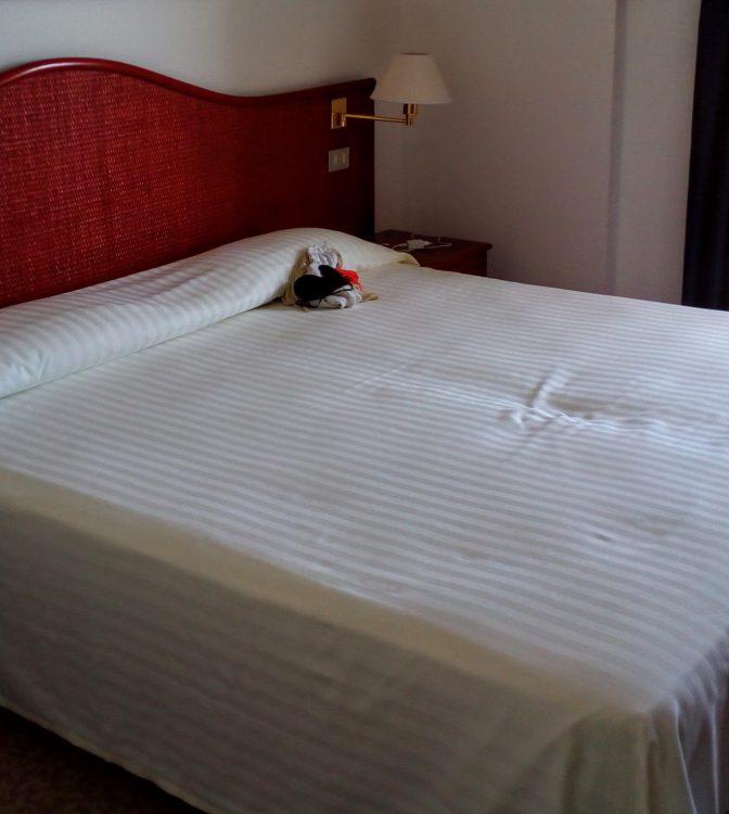 motel one prag hotelovely. Black Bedroom Furniture Sets. Home Design Ideas